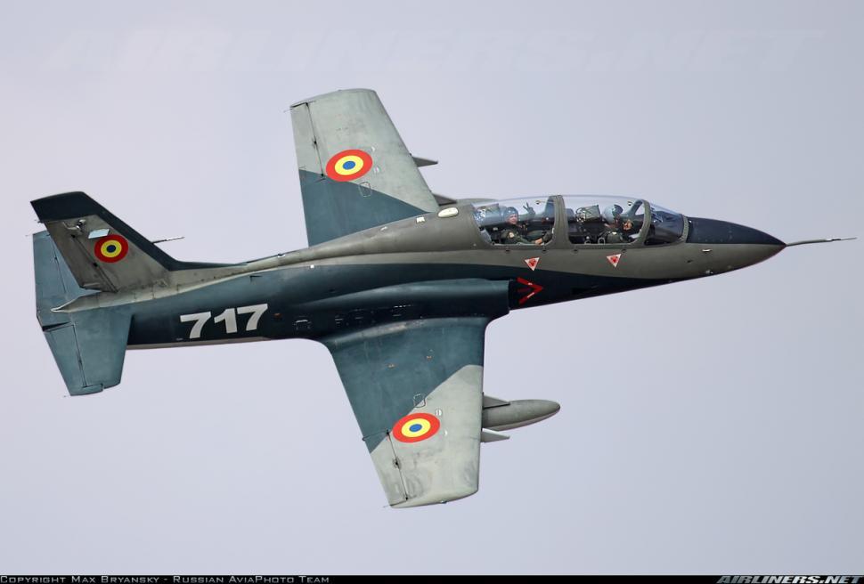 Un avion de tip IAR-99 Șoim s-a prăbușit cu Șeful de Stat Major și Instructorul-Șef de la Baza Aeriană 95 (Bacău)